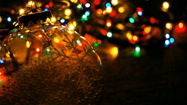 christmas-lights-wallpaper-24365-25025-hd-wallpapers